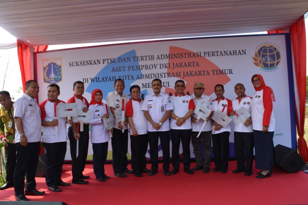 Wali Kota Canangkan Gema Patas Di Jakarta Garden City Kelurahan Cakung Barat