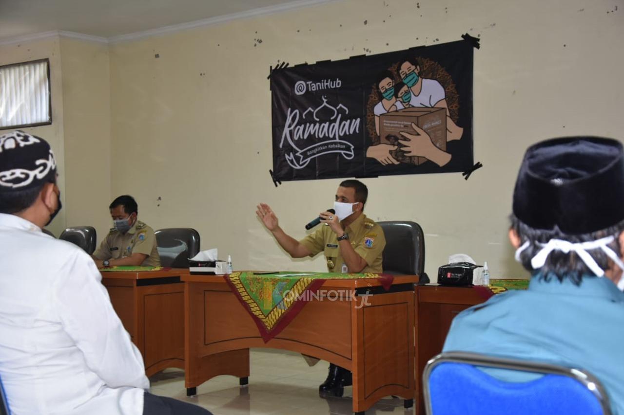 Sosialisasi PSBB Dan Pemberian Bansos Kepada Pengurus Masjid Dan Guru Ngaji