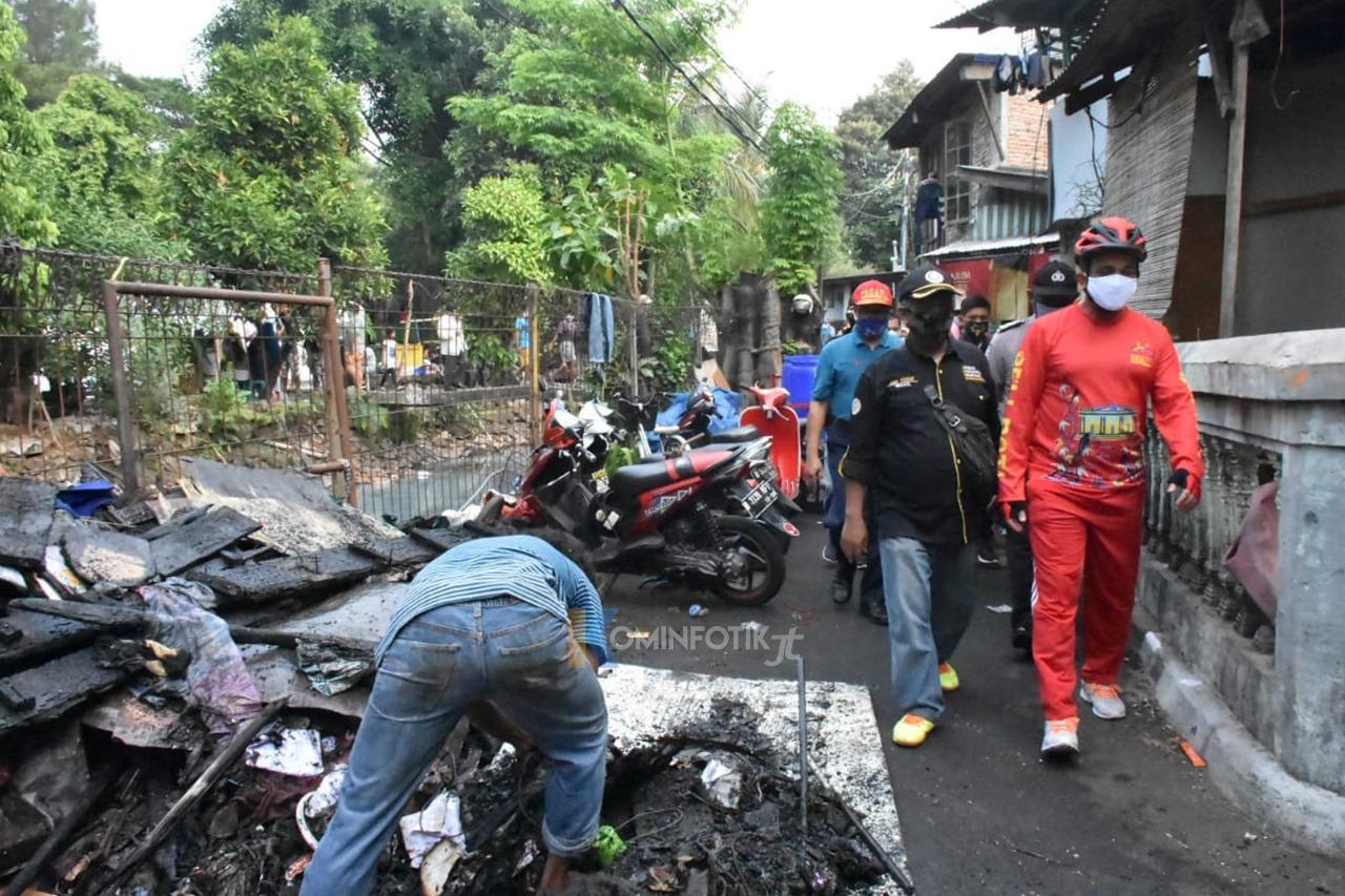 Wali Kota Jakarta Timur Cek Kondisi Korban Kebakaran Di Rawamangun