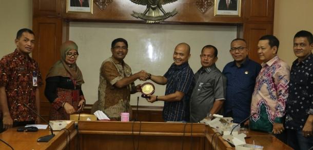 Komisi B DPRD Kabupaten Langkat Studi Banding Ke Jakarta Timur