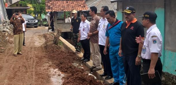 Wali Kota Tinjau Lokasi Tanah Longsor Di Kelurahan Kalisari