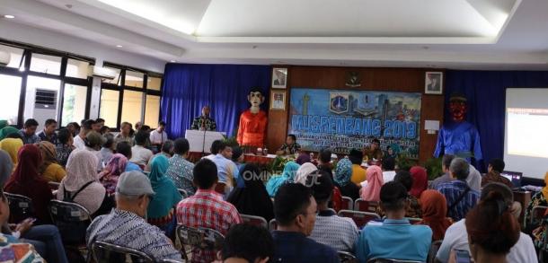 Wakil Walikota Kota Adminsitrasi Jakarta Timur Membuka Kegiatan Musrebang Tingkat Kelurahan