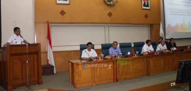 Walikota Kota Administrasi Jakarta Timur Membuka Rapat Sinergitas Pelaksanaan Belanja Daerah