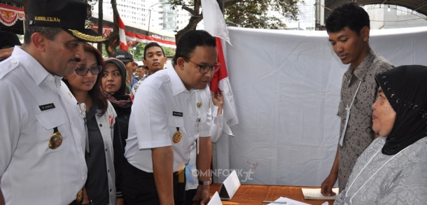 Gubernur DKI Jakarta Tinjau Pemilu 2019 Di Kebon Manggis