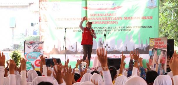Gerakan Gemar Makan Ikan Untuk Usia Dini Di Kecamatan Jatingera