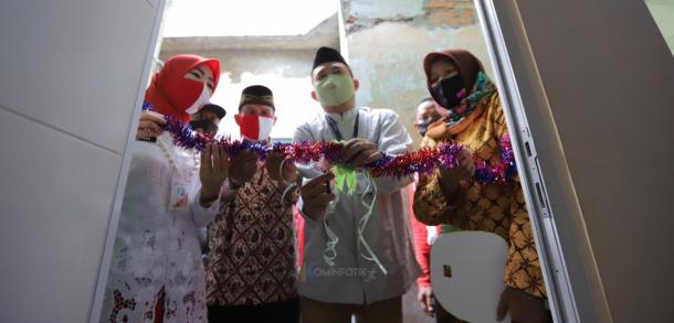 Peresmian Hasil Bedah Rumah Warga Di Kelurahan Rawa Bunga