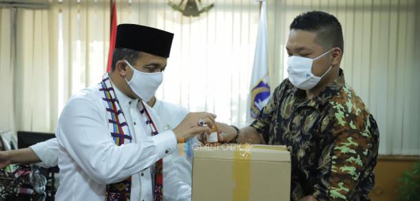 Pemkot Jakarta Timur Terima Bansos Dari PT Kalimantan Prima Persada